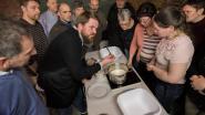 Onthaalboerderij De Biezenhoeve leert bezoekers kaas maken
