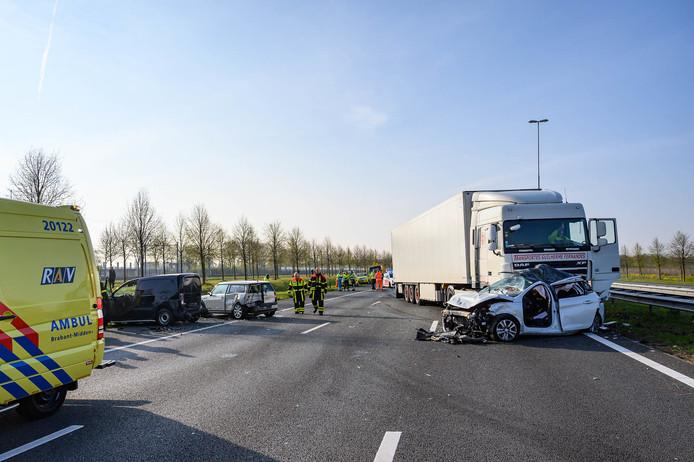 Ernstig ongeluk op de A16 richting Rotterdam.