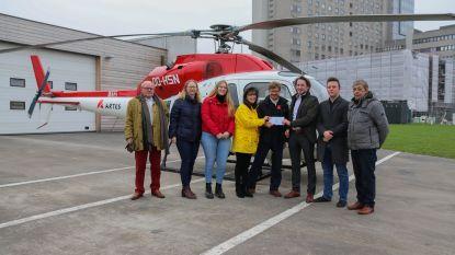 Chocoladeverkoop N-VA Wingene-Zwevezele levert 573 euro op voor MUG-helikopter