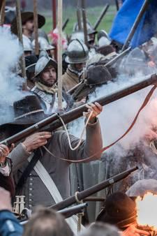 1.600 man speelt Slag om Grolle na in Groenlo