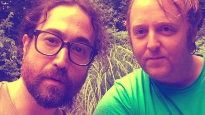 Gaan de zonen van Paul McCartney en John Lennon samenwerken? Daar lijkt het wel op