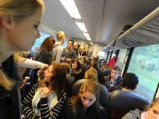 Reiziger op Maaslijn ziet af: Staan in stank van zweetvoeten