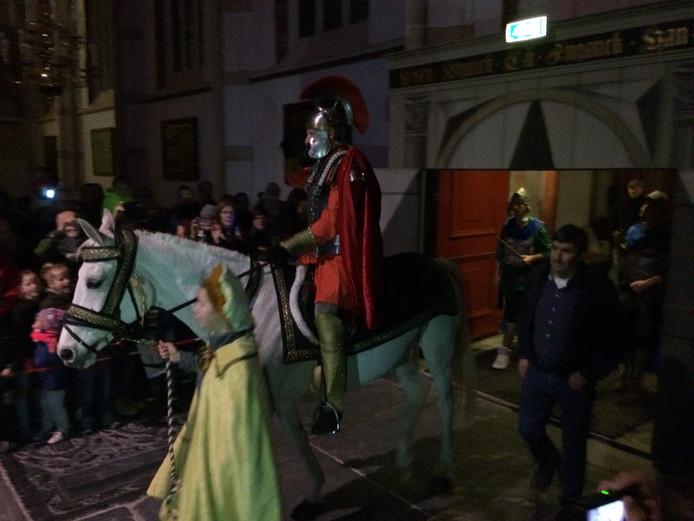 Sint Maarten op zijn paard in Zaltbommel.
