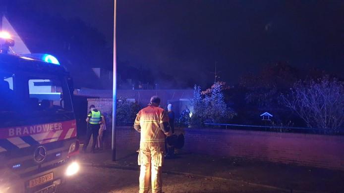 De Hengelose brandweer rukte maandagmorgen 4 november uit voor een woningbrand aan de Magdalenalaan.