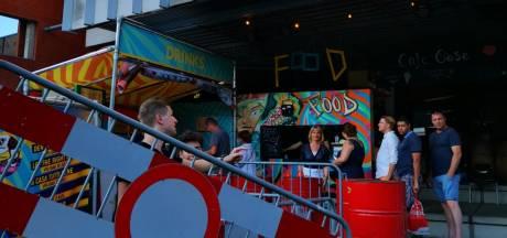 Gevelplaat knalt naar beneden bij Gigant in Apeldoorn tijdens festival StadsOase