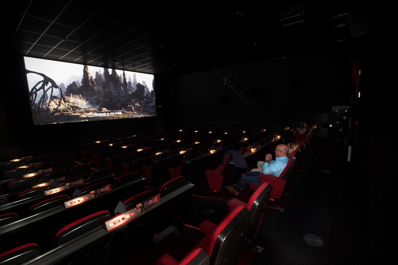 De filmzaal van bioscoop Movie Unlimited aan de Markt in Zevenaar. Foto Theo Kock