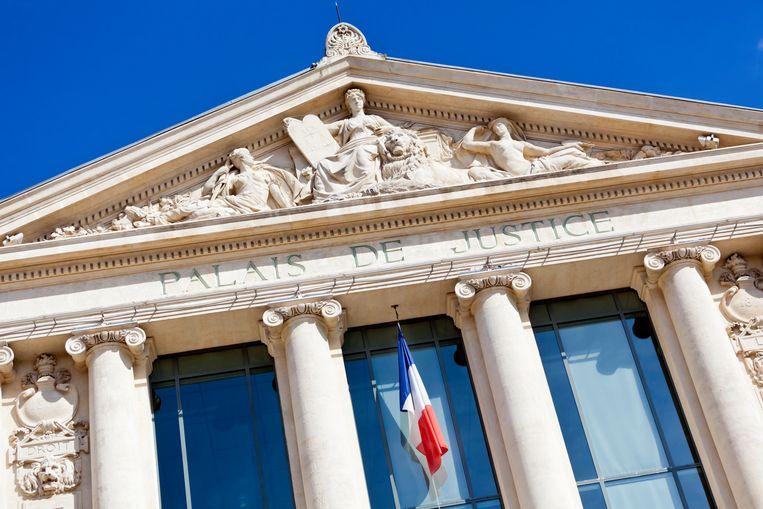 Een rechtbank in de Franse regio Allier heeft twee twintigers tot de hoogst mogelijke straffen veroordeeld voor het martelen en vermoorden van ouderen (beeld ter illustratie).
