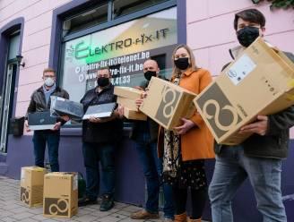 Lokale starter Elektro-fix-IT schenkt vier laptops aan Hoeilaartse scholen
