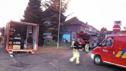 Huis nog maar pas gekocht en dak vliegt al in brand
