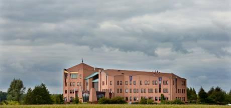 Extra raadsvergadering om stroeve samenwerking tussen raad en college in Buren te bespreken