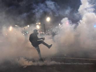 Protest tegen politiegeweld loopt uit de hand in Parijs: ordediensten zetten traangas in