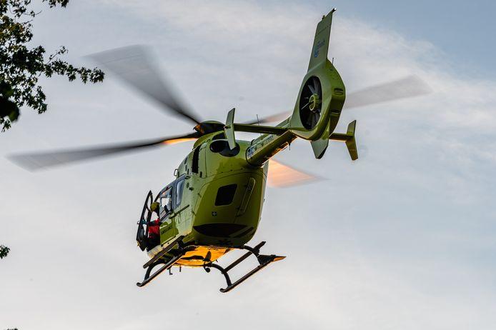 Een traumahelikopter werd opgeroepen naar het ongeluk.