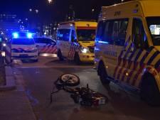 Snorfietser geschept door politieauto in Tilburg, Spoorlaan dicht