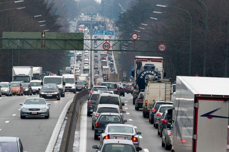 Het verkeer op de Brusselse ring draait momenteel in de soep.