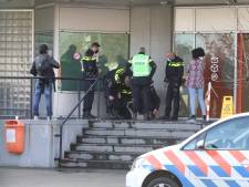 Medewerkers PostNL Den Haag vluchten gebouw uit na aantreffen verdacht pakketje