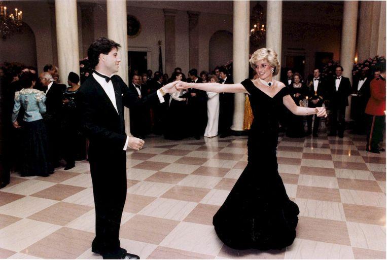 Prinses Diana dansend met John Travolta. Beeld EPA