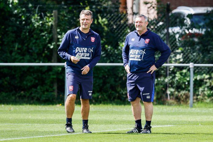 Ron Jans met zijn assistent Andries Ulderink (links).