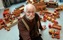 Archieffoto uit 2011. René Diekstra bij zijn verzameling houten speelgoed.