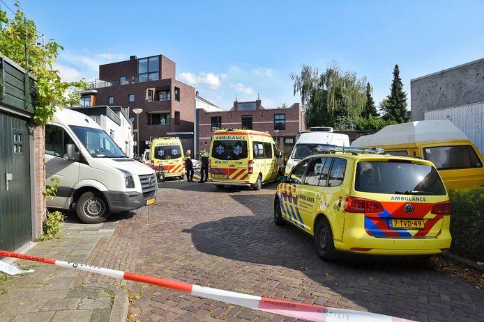 Veel hulpdiensten in de Molenstraat.