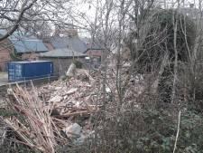 Ex-monument Grebbedijk is nu een hoop puin