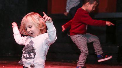 VIDEO: Kinderen kapen dansvloer Charlatan