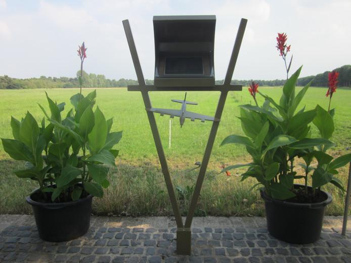 Hier zijn de planten nog aanwezig bij het oorlogsmonument in Vorstenbosch.