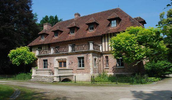 Koen en Valerie woonden tot afgelopen zomer met hun kinderen in dit landhuis.