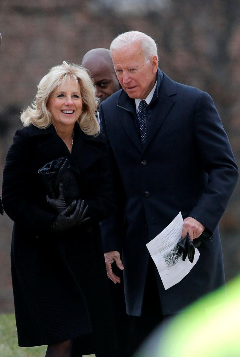 Voormalig vicepresident Joe Biden bij zijn aankomst aan de National Cathedral