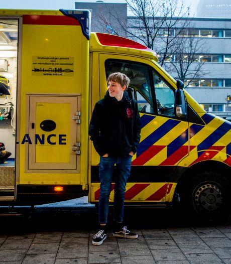 Stefan (15) redde met reanimatie het leven van zijn schoolgenootje: 'Ik zat echt vol adrenaline'
