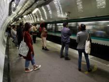 """Un """"métro fou"""" ne s'arrête plus, des voyageurs paniquent: """"J'ai eu la peur de ma vie"""""""