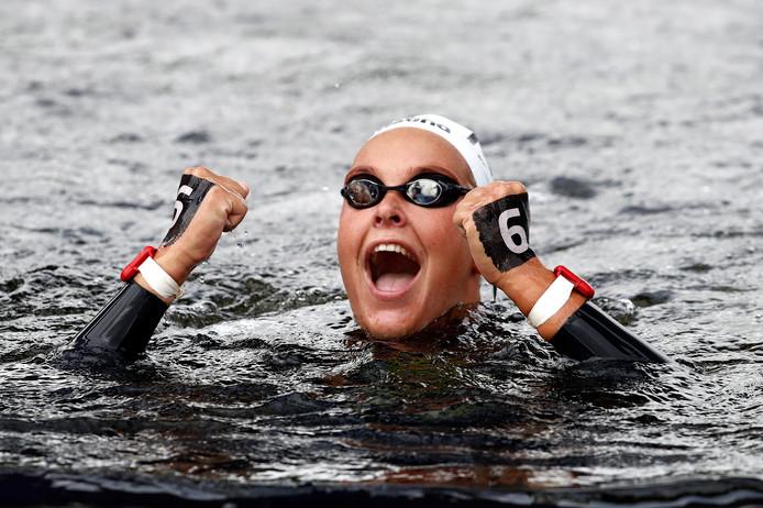 Sharon van Rouwendaal wint de 5 kilometer.