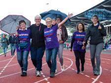 Vrijwilligers staan in de rij voor Samenloop voor Hoop Tubbergen