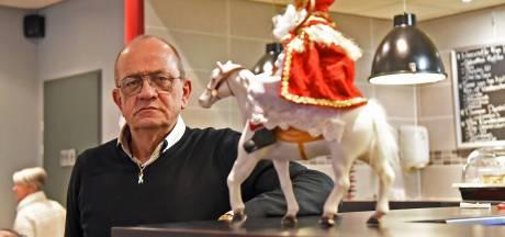 Na 40 jaar stopt de Sinterklaas van Terneuzen ermee, met pijn in het hart: 'Het is niet leuk meer'