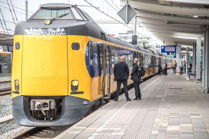 Tussen Zwolle en Deventer rijden geen treinen.