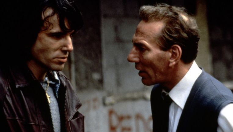 Daniel Day-Lewis en Pete Postlethwait in In the Name of the Father. Beeld