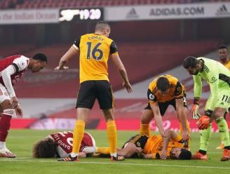 Wolves-aanvaller Jimenez houdt schedelbreuk over aan vreselijke botsing