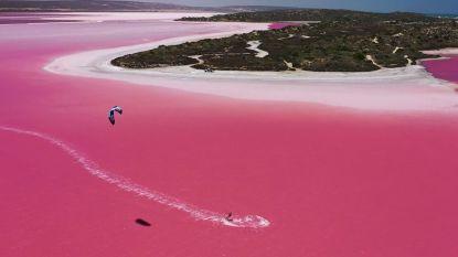 VIDEO. Kitesurfen over een prachtige roze lagune