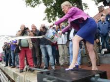 Dalfser replica zomp gedoopt met Vechtwater en champagne