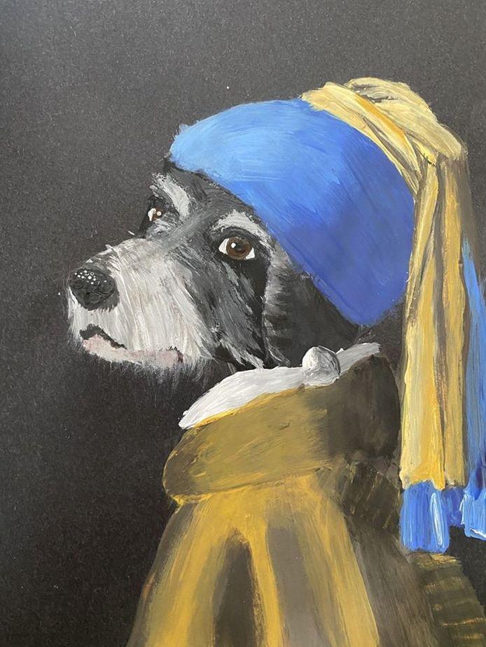 Diede Hurkmans (13) uit Waalwijk heeft dankzij het 'verplicht' thuiszitten alle tijd om te schilderen. Voor de corona-challenge van het kunstencentrum schilderde ze haar hond naar het Meisje met de parel van Johannes Vermeer.
