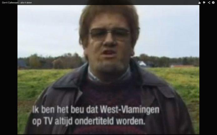 De reden waarom ze in Harelbeke zo'n fan zijn van Opbrouck: hier in In de Gloria uit 2000  speelt hij Gerrit Callewaert uit Bavikhove, Harelbeke.