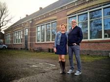 Pech-stel uit file voor probleembrug Afsluitdijk mag gratis uit eten