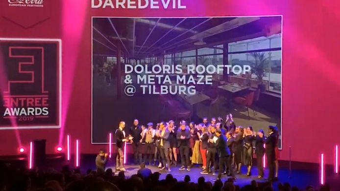 Feest bij de delegatie van Doloris.