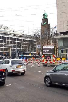 De drukte houdt niet op: wéér verkeerschaos op het Hofplein