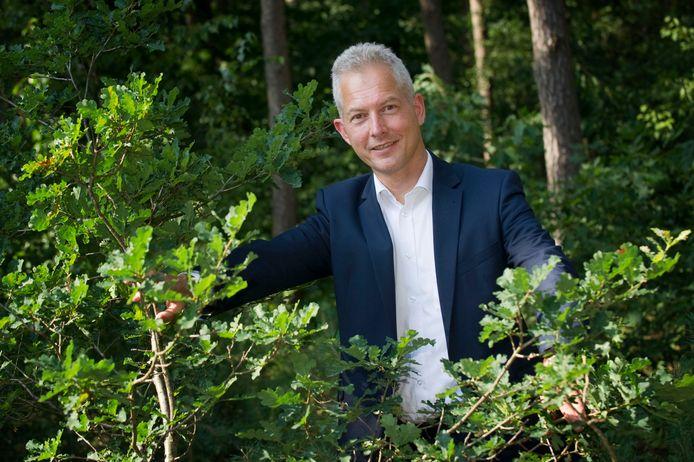HELLENDOORN - Etzel Steinhage, eigenaar van Interestium bv, dat bedrijven in midden- en kleinbedrijf adviseert. Hotel De Uitkijk EDITIE: ondernemer FOTO: Frans Nikkels - DTCT FN20150813