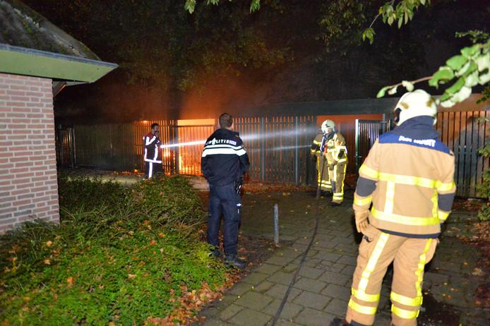 De brand gebeurde in een stalling bij een basisschool in Beemte Broekland.