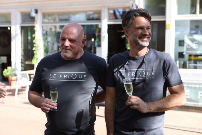 Frank Tjepkema en Pieter Stevense creëerden samen 'Le Frique', een luxe versie van de frikandel.
