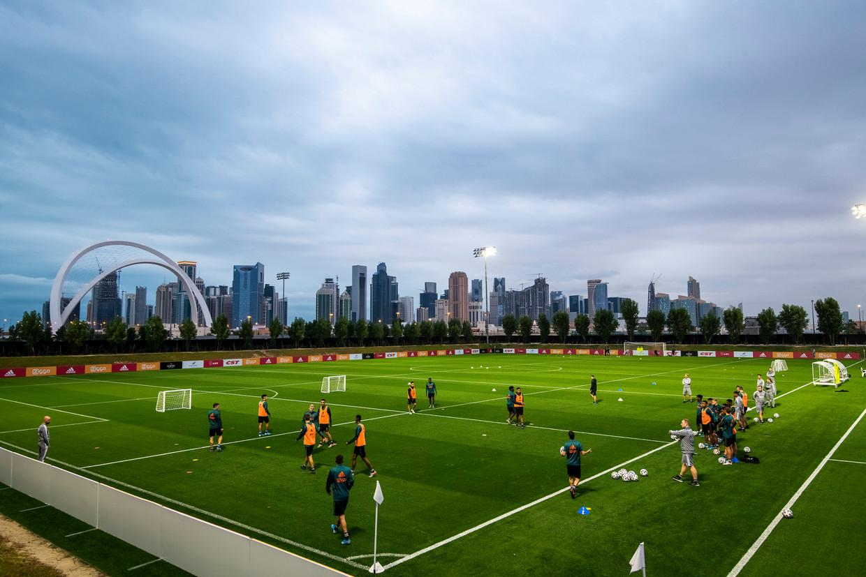 De training  van Ajax in Doha, Qatar.