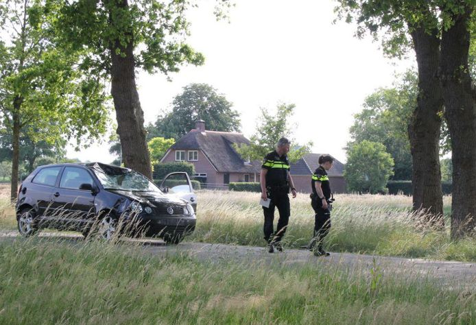 Het ongeval gebeurde op de kruising van de Twentseweg en de Lemelerveldseweg.