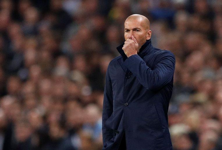 Zinédine Zidane kan een Spaanse vloek net onderdrukken. 3-1-verlies tegen Tottenham: pijnlijk