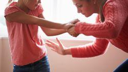Hoe verantwoord is een pedagogische tik? Dit zeggen onze experts